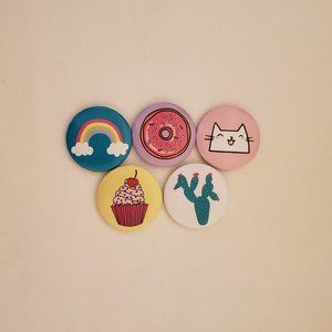 Jewelry - Brooch Buttons 5CT